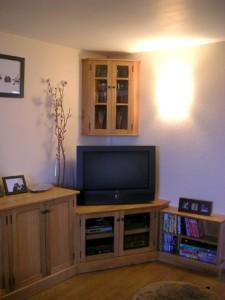 corner-tv-&-glass-cabinet
